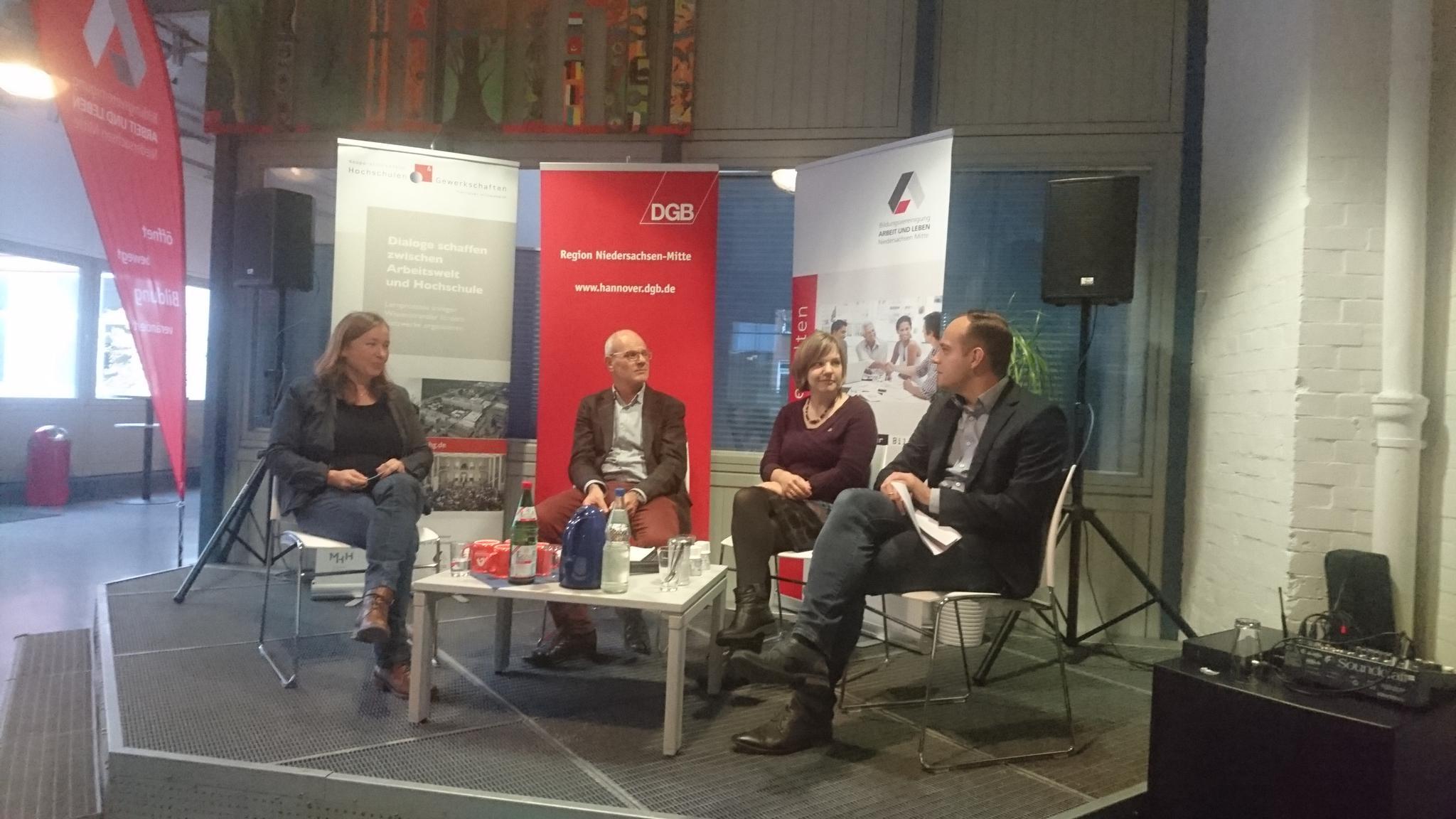 Podiumsdiskussion mit Dr. Petra Köster, DR. Thomas Hardwig, die von Dr. Imke Hennemann-Kreikenbohm moderiert wurde